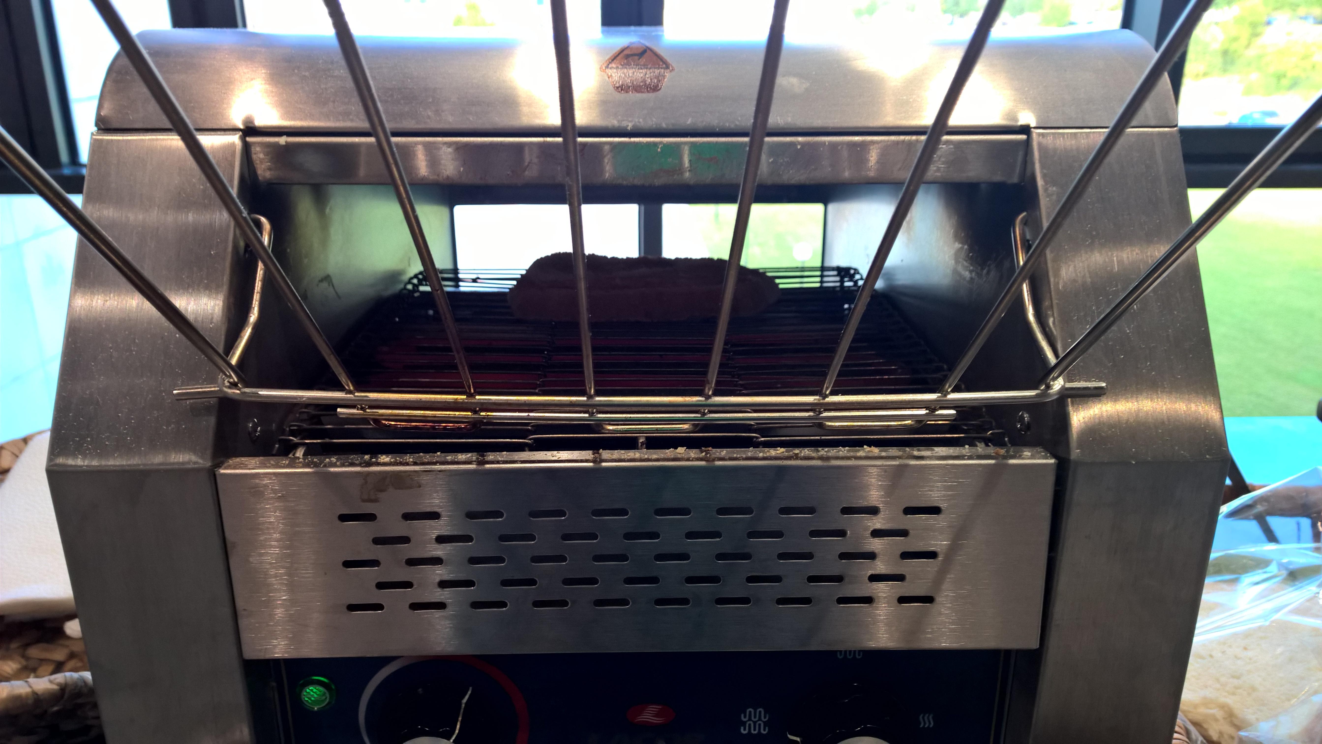 Toaster mit Laufband!
